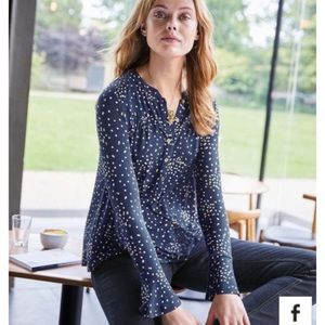 Super soft Boden dotted Henley blouse, like new